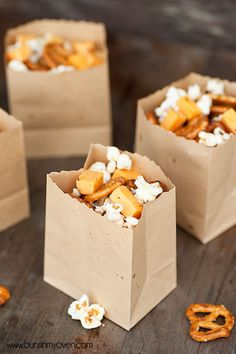 Cheddar Snack Mix | A fun and easy snack mix for movie night!