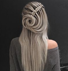Top 60 All the Rage Looks with Long Box Braids - Hairstyles Trends French Braid Hairstyles, Box Braids Hairstyles, Gorgeous Hairstyles, 1920s Hairstyles, French Braids, Hairdos, Hairstyles Pictures, Prom Hairstyles, Hairstyle Ideas