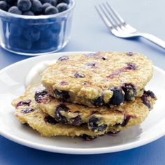 Have to try! Blueberry Oat Pancakes with Maple Yogurt [26 grams of protein, 6 grams of fiber -- old-fashioned rolled oats, cottage cheese, eggs, vanilla, blueberries, Greek yogurt, maple syrup] via Health Magazine #clean #healthy