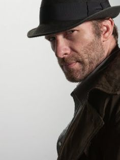 Thomas Jane would make such a great Harry Dresden.