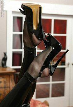 Sexy girls fetish low heels galleries 218