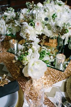 Black and Gold Wedding Color Palette | photography by http://www.ariellephoto.com/