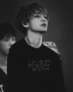 Taehyung BTS V dark black white aesthetic lq Bts Taehyung, Bts Bangtan Boy, Namjoon, Jimin Jungkook, Bts Jin, Daegu, Foto Bts, Jung Hoseok, Boy Band