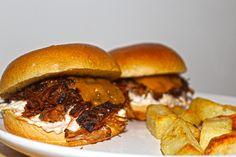 Pulled Beef Burgers [homemade] http://ift.tt/2f0Lbd7