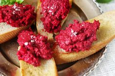 Hoummus med grillade rödbetor