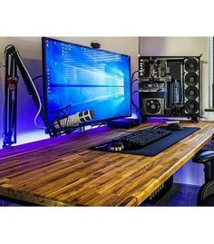 Here's a simplistic setup found from @futurecomputers. I think the best part about this setup is the desk that stain is looking real nice. There's nothing else really to be said so I wanna hear your guys thoughts! Definitely share them down below! ------------------------------------ Use #officialsetups with a photo of your setup to have a chance to be featured on this ! ------------------------------------ Follow my friends @techade and @futurecomputers for similar content…