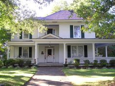 The Kerr House Bed & Breakfast, built in 1891, is located in the Davie Avenue Historic District; an area with many beautiful homes on wide, tree-lined streets.