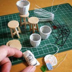 いろいろやりたくて あれこれ手をつけるので、やりかけがゴロゴロと…。 #ミニチュア #ハンドメイド #ミィ #かご #バスケット #クッション #ステンドグラス #かぎ針編み #スツール #miniature #handmade #crochet #basket #littlemy #stainedglass #cushion
