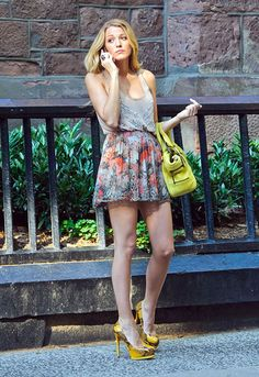Blake Lively as Serena in a Haute Hippie floral print skirt and Pour la Victoire 'Zimmer' yellow pumps & yellow 3.1 philip lim 'lark' bag.