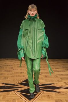 Beckmans College of Design Stockholm Fall 2018 Fashion Show Collection Runway Fashion, Mens Fashion, Autumn Fashion 2018, Fashion Show Collection, Fall 2018, Stockholm, Ready To Wear, Rain Jacket, Windbreaker