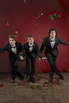 Ahhh!!! The Lonely Island... I absolutely love Andy Samberg (favorite SNL cast member) <3 They created some of the most funniest stuff that you just can't help but laugh... SNL >>>