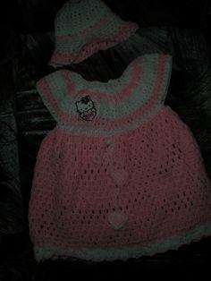 Hello Kitty Kleidchen mit Hut  handmade with love