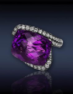 JACOB & Co- Heart Amethyst Diamond Ring - Ref. 91327334 - black plated Gold ring set with carats rose-cut Amethyst center to carats pavé set white Diamonds. Purple Jewelry, I Love Jewelry, Fine Jewelry, Jewelry Design, Jewelry 2014, Jewelry Art, Amethyst And Diamond Ring, Amethyst Jewelry, Diamond Rings