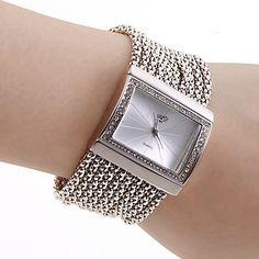 Women's PC Movement Silver Band White Dial Bracelet Watch with Czechic Diamond Decoration – AUD $ 24.72