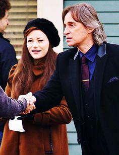 Robert Carlyle and Emilie de Ravin filming in Steveston on January 19, 2016