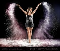 PowderDance - Female dancer with powder Shutter Speed Photography, Dance Photography Poses, Smoke Photography, Body Art Photography, Dance Poses, Creative Photography, Portrait Photography, Sand Dance, Dance Art