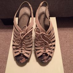 Hinge Saydee lace up wedge Nude lace up wedge with wood heel. Lightly worn, minor scuffs on the heel. Shoes Heels