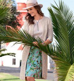 Вяжем пальто спицами для женщин. Описание и схемы вязания легкого пальто спицами.