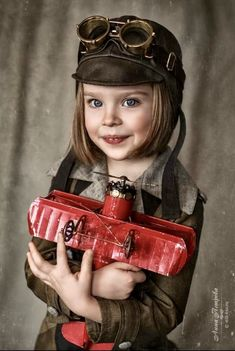 Beautiful Children, Beautiful People, White Photography, Portrait Photography, Les Enfants Sages, Cute Kids, Cute Babies, Steampunk Kids, Bright Eyes