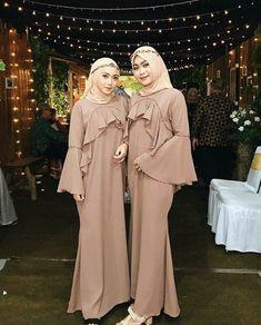 Kebaya Muslim, Prom Dresses Long With Sleeves, Batik Dress, Hijab Dress, Abaya Fashion, Dream Dress, Like4like, Party Dress, Casual Outfits