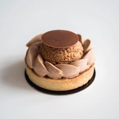 Geraldine Martens When I go down to Marseille it& impossible for me to . Gourmet Desserts, Fancy Desserts, Delicious Desserts, Sweet Recipes, Cake Recipes, Dessert Recipes, French Tart, Individual Desserts, Sweets Cake