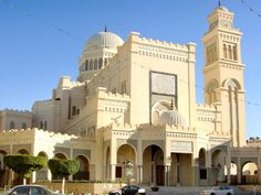 Grand Mosque, Tripoli, Libya - Some day I'll stand right here. Religious Architecture, Beautiful Architecture, Beautiful Buildings, Art And Architecture, Islamic World, Islamic Art, Islamic Society, Temples, Beautiful Mosques