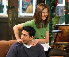 married a lesbian, left a man at the altar, fell in love with a gay ice dancer, threw a girl's wooden leg in a fire, LIVIN' IN A BOX! Friends Cast, Friends Moments, I Love My Friends, Friends Show, Emily Ratajkowski Outfits, Ross And Rachel, David Schwimmer, Ross Geller, Real Friendship Quotes