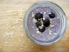 ViSalus Vi-Shape Shake Mix Recipe - Blueberry Oat Smoothie - get the full recipe on my website at http://cakeshakemix.com/visalus-vi-shape-shake-mix-recipe-blueberry-oat-smoothie