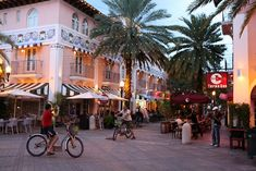 Espanola Way, a small, laid back pedestrian street lined with restaurants and shops paralleling Lincoln Road in South Beach, Miami, Florida.
