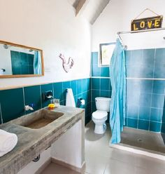 Ideally located right upon the beach track; here at Selina Hostel you can do it from perfect position for exploring the magical surrounding coastline and allows you to take full advantage of the Playa Venao lifestyle. Also the bathroom bring you in a sea world! #HostelsCentral #LoveHostels