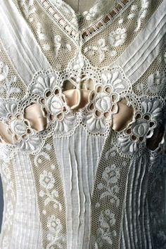 antique wedding dress bodice detail ... ca. 1900-15