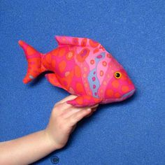 This is the Finger Pocket Fish 2 shape demonstrating how the 'finger pocket' works to turn your toy into a type of 'puppet'! Types Of Puppets, One Banana, Stuff To Do, Dinosaur Stuffed Animal, Finger, Sewing Patterns, Shapes, Fish, Pocket