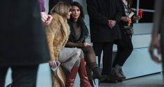 """Kim Kardashian no maior papo com Anna Wintour, a todo-poderosa da """"Vogue"""" americana. Kim chegou lá! Foto: LUCAS JACKSON / REUTERS"""