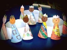 Actividades para a educação de infância Epiphany Crafts, Christmas Art, Christmas Ornaments, Bible Stories, Christmas Activities, Sewing Clothes, Nativity, Nursery, Make It Yourself