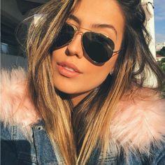A linda @gabibrandt sabe: os óculos aviadores são sempre coringas! O modelo da vez é o clássico Ray Ban Aviator! ❤️ #oticaswanny #gabibrandt #rayban #raybanaviador #oculosaviador