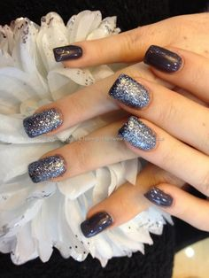 Acrylic nails with glitter gel polish