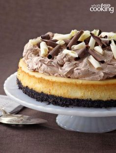 PHILADELPHIA Triple-Chocolate Cheesecake – Good things always seem to come in threes. In this recipe, it's three kinds of chocolate in your newest go-to cheesecake dessert for the holidays! Triple Chocolate Cheesecake, Chocolate Topping, Chocolate Desserts, Melted Chocolate, Delicious Chocolate, Kraft Recipes, Cupcakes, Cupcake Cakes, Köstliche Desserts