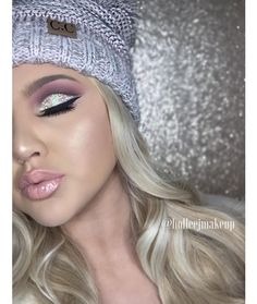 Loving this cut crease makeup look. #MakeUp #CutCrease #Glitter #Nude #Lip #Cut #Crease #Highlight #Becca #Champagne #Pop #Blonde #Beanie #Silver #Eye See this Instagram photo by @holleejmakeup • 823 lik