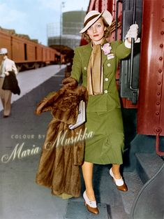 Marlene Dietrich on her way to Europe from Los Angeles, July 1936 ~~ colourised by Maria-Musikka Golden Age Of Hollywood, Vintage Hollywood, Hollywood Stars, Classic Hollywood, Marlene Dietrich, Divas, Human Body Art, Classic Actresses, Famous Women