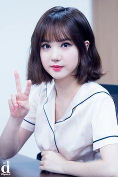 Might use this as prom hair? Kpop Short Hair, Kpop Hair, Kpop Girl Groups, Korean Girl Groups, Kpop Girls, Music 2015, Ulzzang Hair, Shot Hair Styles, Cute Girl Face