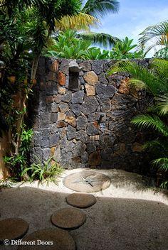 outdoor shower pan | Maradiva Villas Resort & Spa, Mauritius – In pure luxury