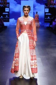 Shop from an exclusive range of luxurious wedding dresses & bridal wear by Anita Dongre. Bring home hand-embroidered wedding wear in colors inspired by nature. India Fashion Week, Lakme Fashion Week, Runway Fashion, Indian Wedding Outfits, Indian Weddings, Luxury Wedding Dress, Sari Fabric, Couture Week, Kurta Designs