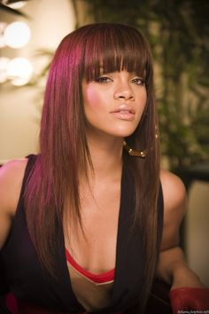 Affordable Grade luxury virgin human hair distributed in the U. Achieve this look with our luxury line of Malaysian Straight hair extensions, available in lengths 12 - 26 inches. Rihanna Hairstyles, Oval Face Hairstyles, 2015 Hairstyles, Hairstyles With Bangs, Straight Hairstyles, Cool Hairstyles, Black Hairstyles, Layered Hairstyles, Summer Hairstyles