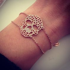 Find images and videos about bracelet and skull on We Heart It - the app to get lost in what you love. Skull Bracelet, Skull Jewelry, Jewelry Box, Jewlery, Jewelry Accessories, Jewelry Ideas, Crane, Skull Fashion, Skull And Bones