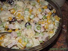 Sałatka z selera naciowego i żurawiny Ma charakterystyczny, nieco ostry i orzeźwiający smak i jest cudownie chrupiący. Poza tym ma wiele wspaniałych właściwości, zawiera mnóstwo witamin i minerałów i uważan… Pasta Salad, Potato Salad, Food And Drink, Potatoes, Impreza, Ethnic Recipes, Gastronomia, Kitchens, Turmeric