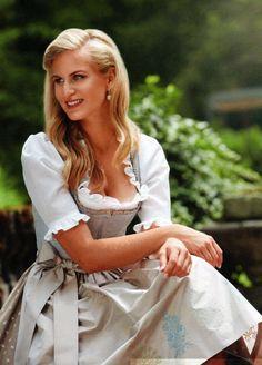 A gathering of proper ladies, properly dressed. I hope you enjoy them. With Love, Joanna 💐 Oktoberfest Outfit, Drindl Dress, German Women, Medieval Dress, Sweet Dress, Classy Women, Feminine Style, Traditional Dresses, Most Beautiful Women