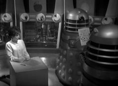Doctor Who 1x07 - The Escape. A Dalek reading LOL