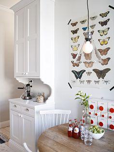 White and rustic kitchen- via Coco Lapine Design