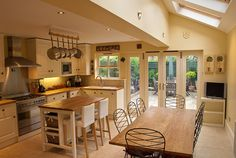 Perfect new kitchen/diner layout Kitchen Layout Plans, Open Plan Kitchen, Kitchen On A Budget, Kitchen Living, Country Kitchen, Narrow Kitchen, Kitchen Tops, New Kitchen, Kitchen Decor