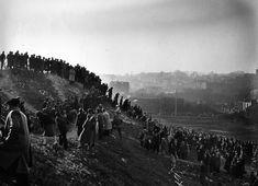 Atelier Robert Doisneau |Robert Doisneau's photo archives. - Suburbs: sceneries Cyclo cross à Gentilly 1946